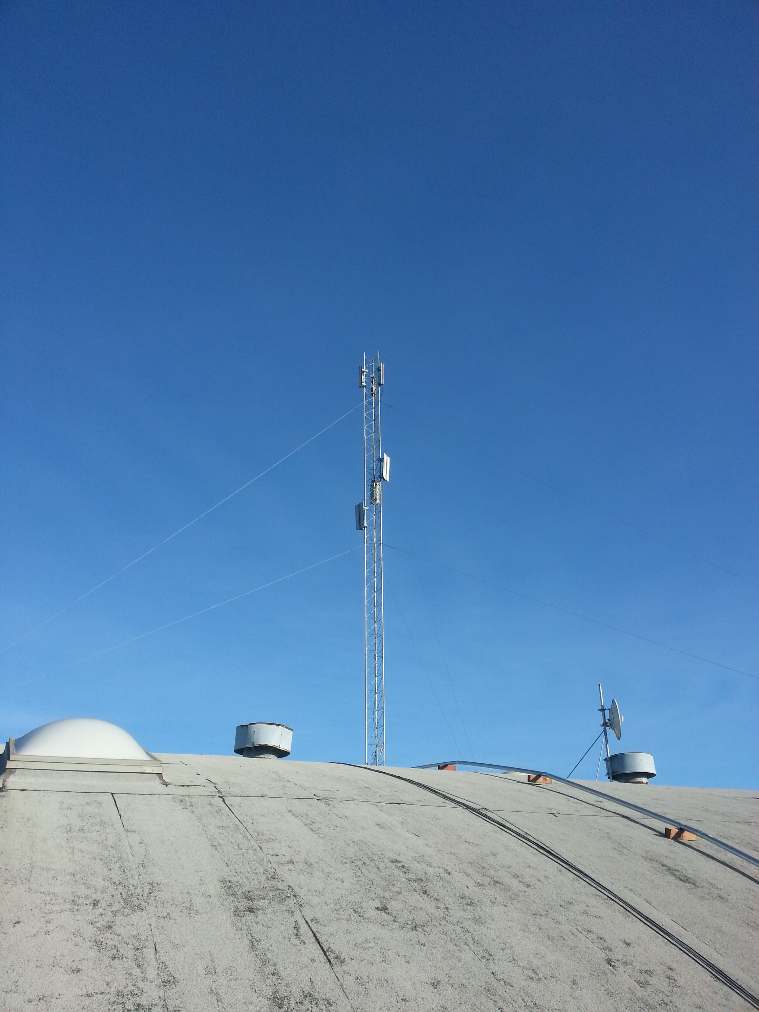 Free and Fast 'Roof2Roof' Internet Available in Richmond, CA